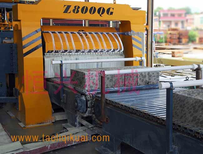 粉煤灰加气块砖机是什么-陶粒泡沫混凝土制砖机设备